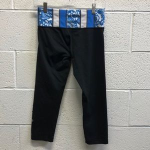 Lululemon black and blue crop legging, sz 6, 63531